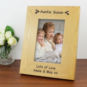 Personalised Oak Finish 4x6 Hearts Photo Frame