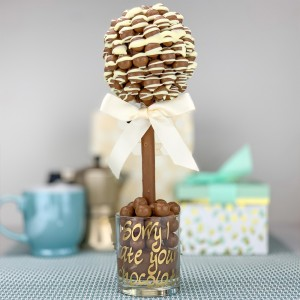 Personalised Malteser White Chocolate Drizzle Tree - 35cm