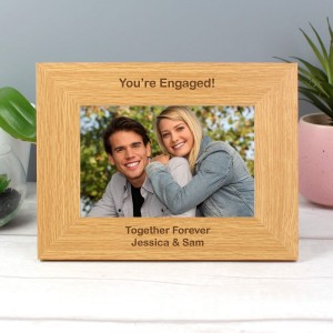 Personalised Oak Finish 6x4 Landscape Photo Frame - Short Message
