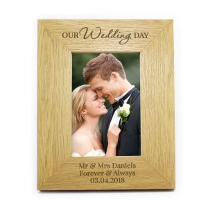 Personalised Our Wedding Day 6x4 Oak Finish Photo Frame